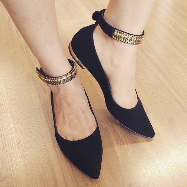 19dfabe145 Sapatos,Botas, tênis ou confecções: a Baravelli tem o presente certo ...
