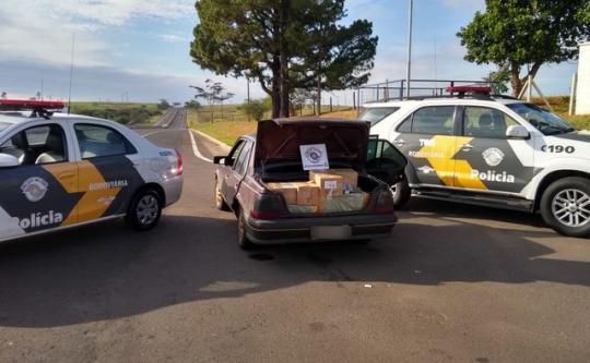 3366cd375df Mercadorias do Paraguai estavam em um carro abordado em Presidente  Venceslau (Foto  Polícia Militar Rodoviária Divulgação)